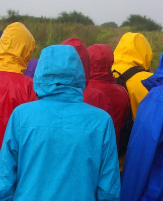 Practical-Tips-for-Buying-Men's-Raincoat-on-GuestPosting